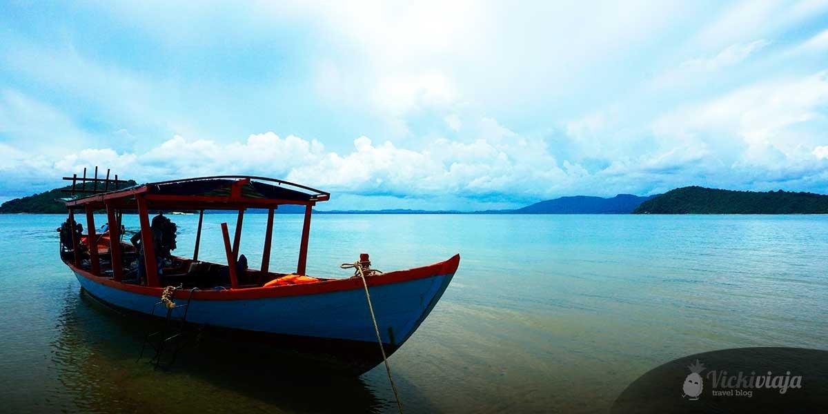 island hopping otres beach sihanoukville cambodia vickiviaja