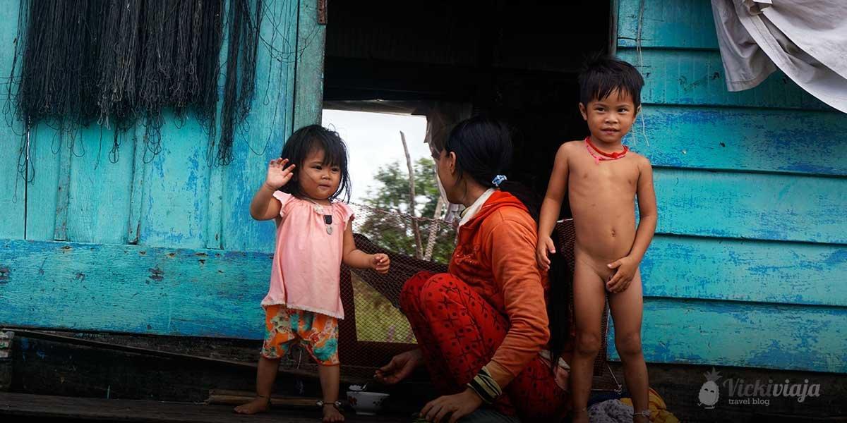 from battambang to siem reap by boat along the tonle sap I vickiviaja
