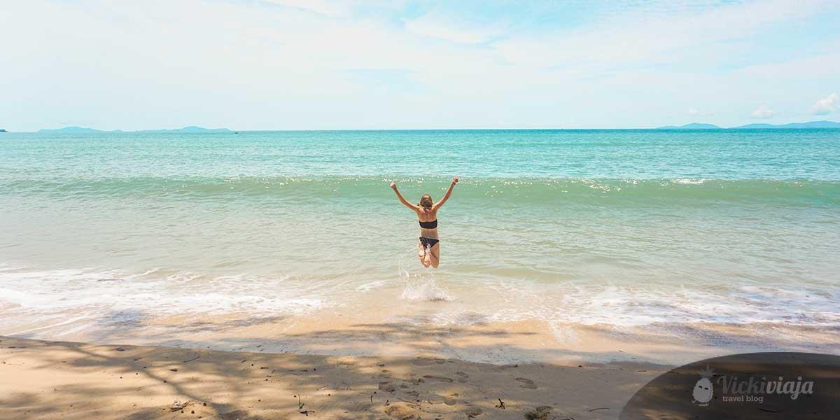 Maungmagan Beach, Dawei Beaches, jumping