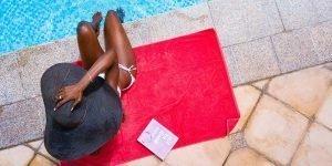 best travel towel, red towel, pool