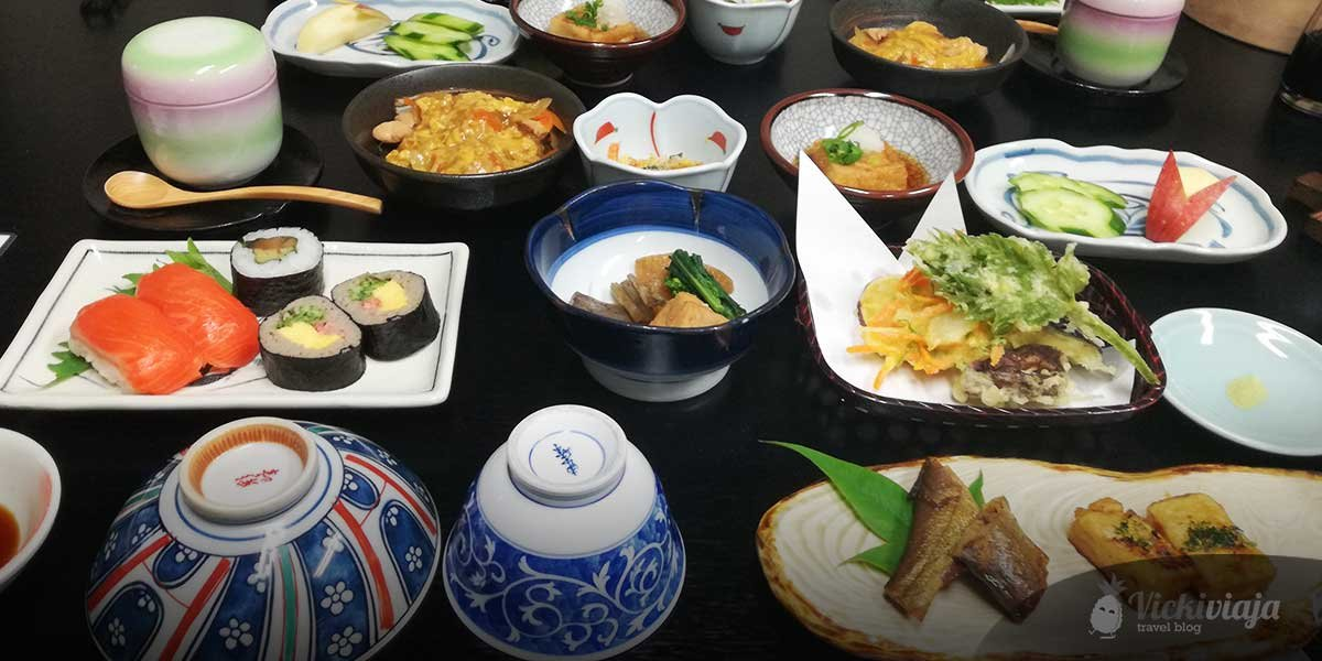 Top 10 Japanese Foods, delicious dishes in Japan
