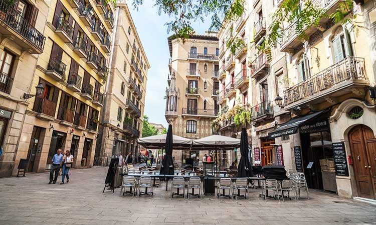 Born Neighborhood in 5 days in Barcelona
