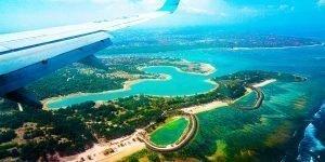Bali Unterkunft, Blick auf Bali vom Flugzeug