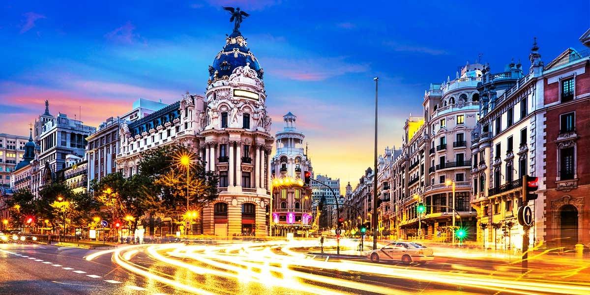 Madrid in 3 days, Gran Via at night, Spain